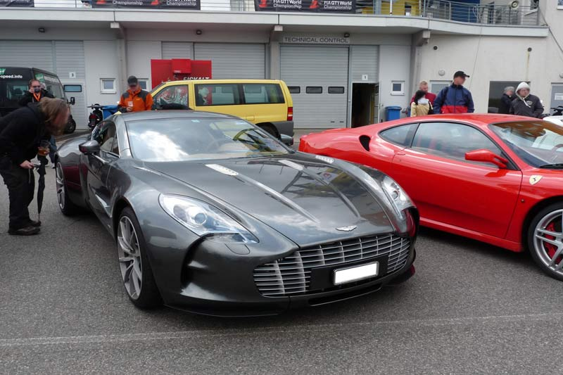 Carspotting Aston Martin One-77
