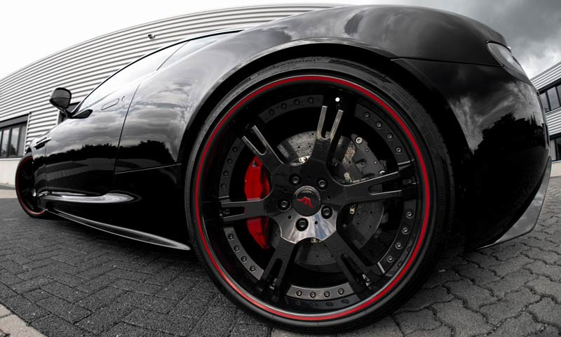 Aston Martin DBS Carbon Edition+ von Wheelsandmore