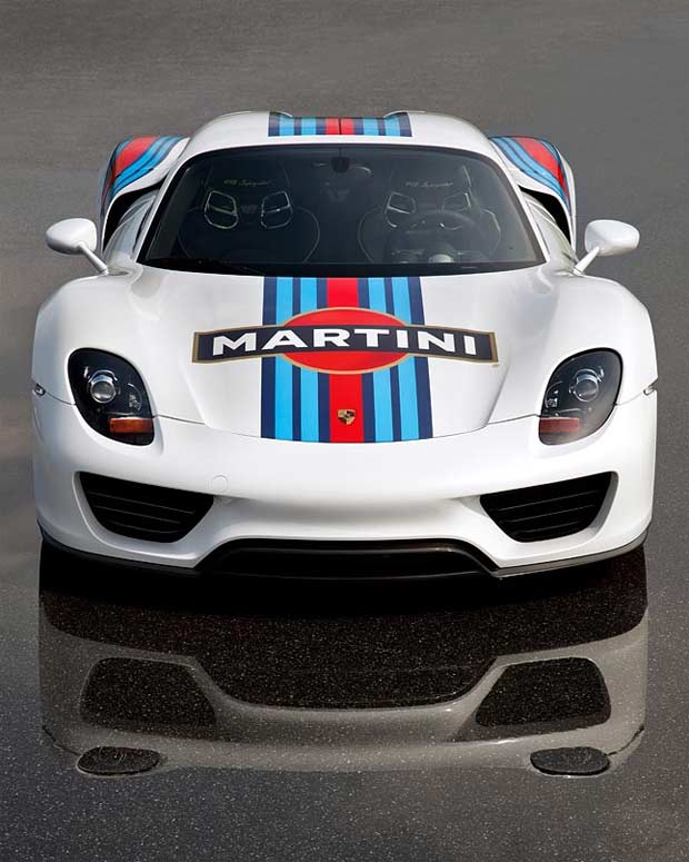 Porsche 918 Spyder Martini Racing Design